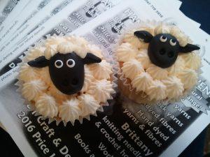 Wool Experience 2016 Blaze Farm sheep cakes