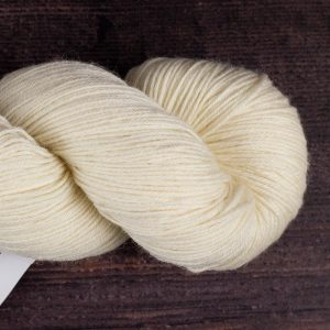 DT Craft and Design - 75% Bluefaced leicester/25% nylon superwash 4ply 100g