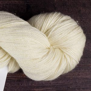 DT Craft and Design - 75% superwash merino/20% nylon/5% gold stellina sparkle 4ply 100g